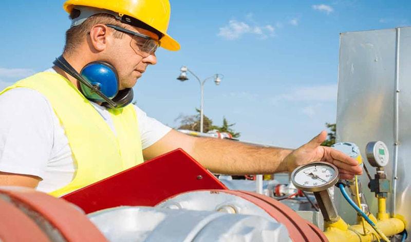 استخدام مهندس مکانیک با توسعه صنایع نفت و گاز کشور